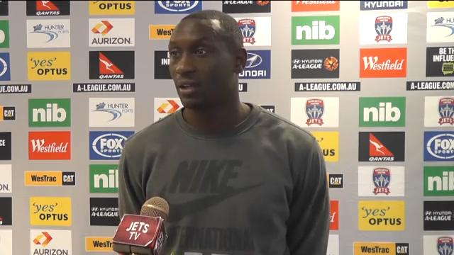 Heskey re-signs for Jets