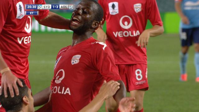 Adelaide beat 10-man Sydney