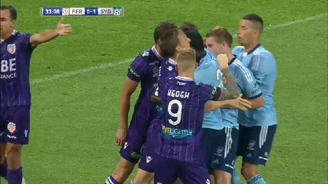 Double red card in Perth