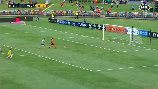 Maclaren wins it for Roar