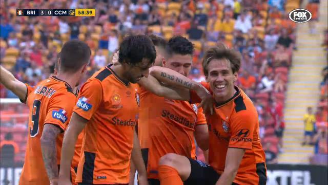 Corona's debut goal for Roar