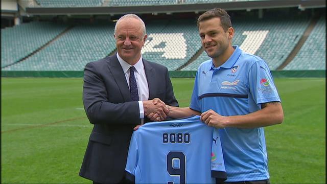 Sydney FC signs Bobo