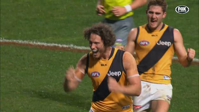 Hawks set to swoop on Vickery