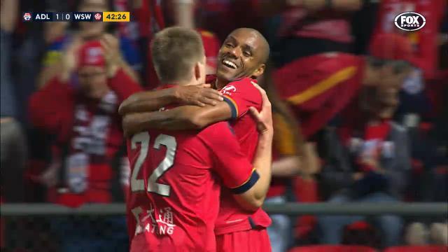 Henrique fires on home debut