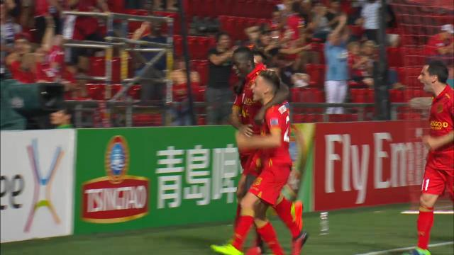 Reds keep ACL hopes alive