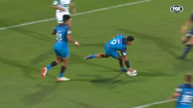 Pulu finishes awesome try