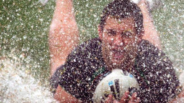 Cyclone threatens NRL game