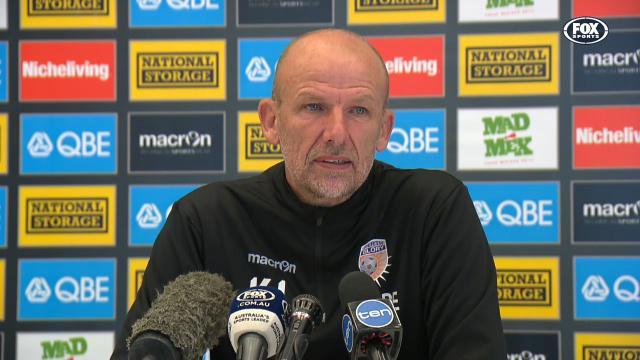 Lowe not sitting on Sydney FC