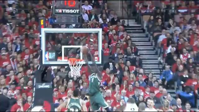 Thon soars for alley-oop