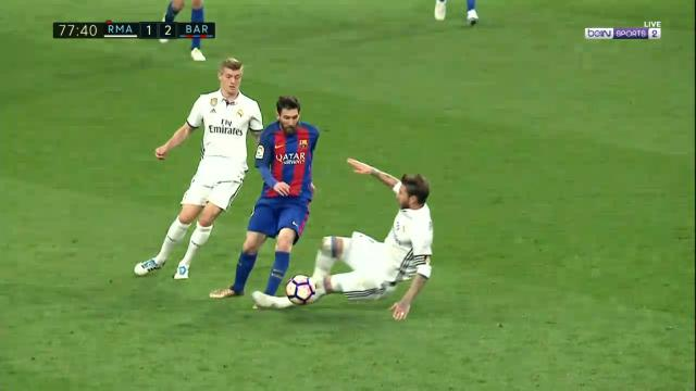 Ramos two-foots Messi