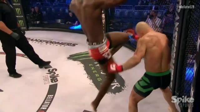Sickening flying knee KO