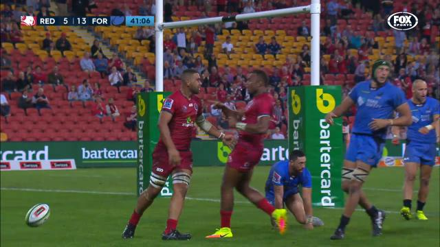 Tui scores brilliant try