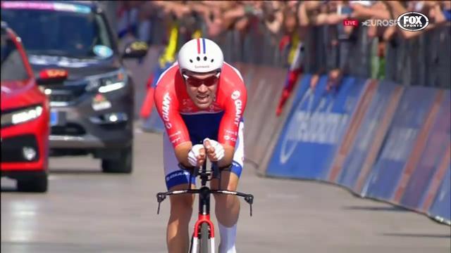 Dumoulin claims Giro D'Italia