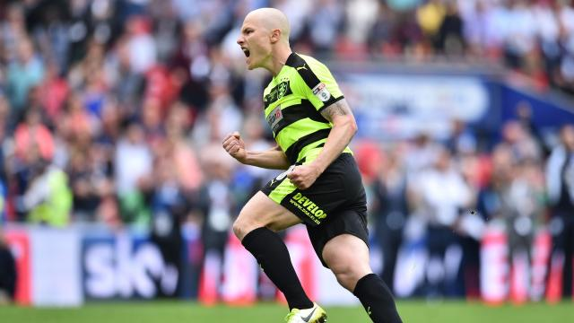 Mooy scores in shootout win