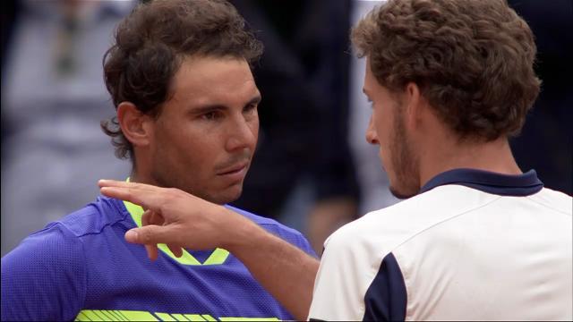 Nadal cruises into semis
