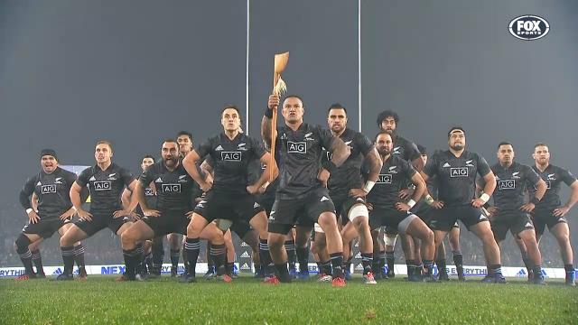 NZ Maoris' stirring haka