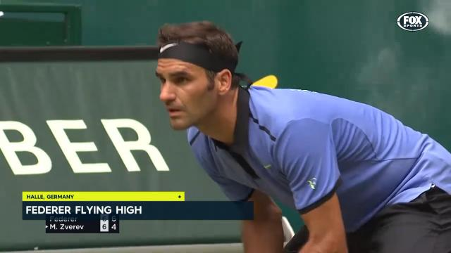Federer's streak continues