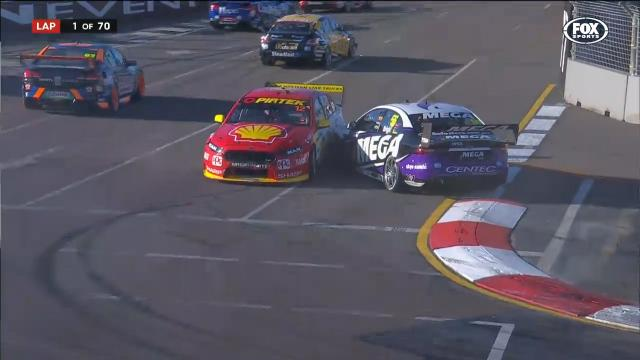 Coulthard in Lap 1 crash